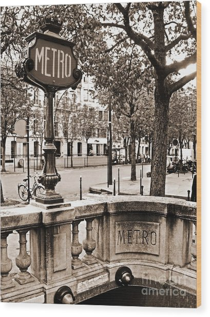 Metro Franklin Roosevelt - Paris - Vintage Sign And Streets Wood Print