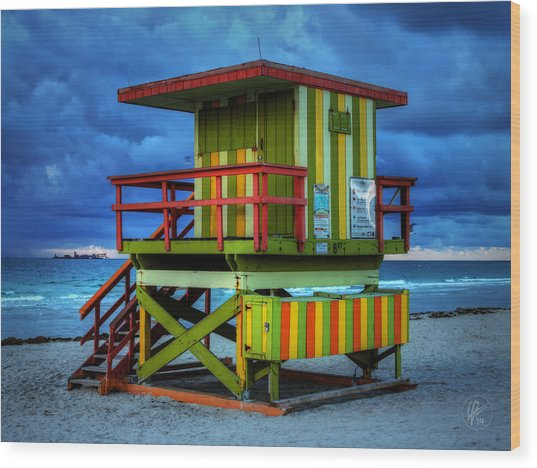 Wood Print featuring the photograph Miami - South Beach Lifeguard Stand 006 by Lance Vaughn