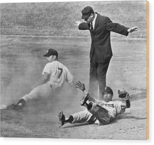 Mickey Mantle Steals Second Wood Print
