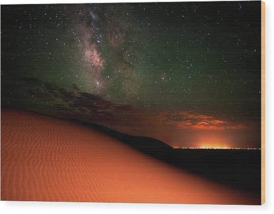 Milky Way Gold From Sand Dunes Colorado Wood Print by Mike Berenson / Colorado Captures