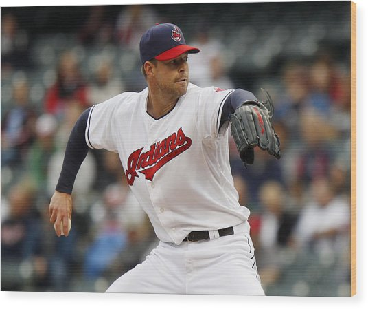 Minnesota Twins V Cleveland Indians - Game One Wood Print by David Maxwell