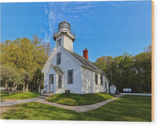 Mission Point Lighthouse 1 Wood Print