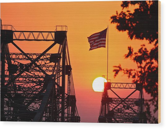 Mississippi River Bridge Sunset Wood Print