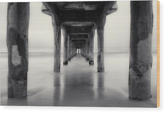 Misty Manhattan Pier Wood Print