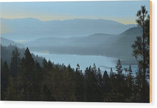 Misty Morning At Donner Lake Wood Print
