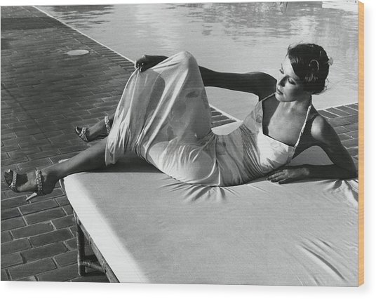 Model Wearing A Leonard Dress Poolside Wood Print