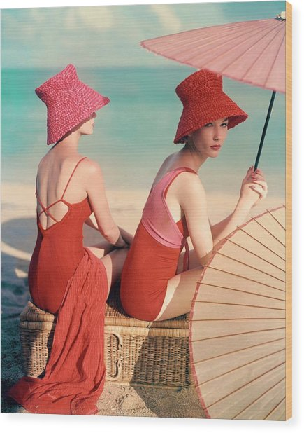 Models At A Beach Wood Print by Louise Dahl-Wolfe