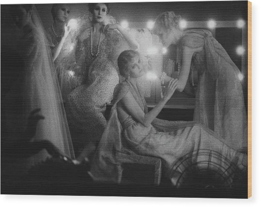 Models In A Dressing Room Wood Print