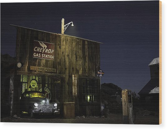 Mojave Nights At The Chevron Gas Station Wood Print
