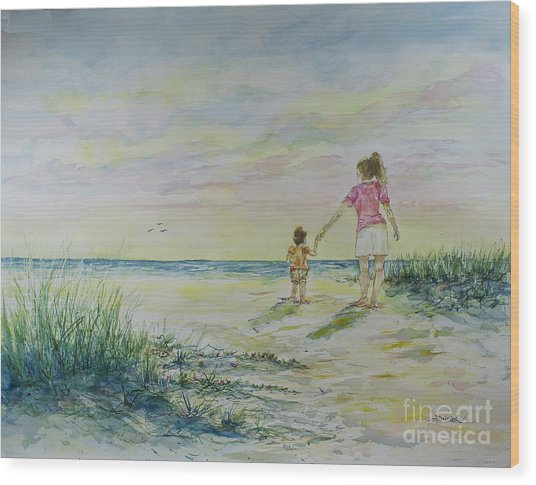 Mommy And Me At The Beach Wood Print