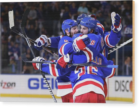 Montreal Canadiens V New York Rangers - Wood Print