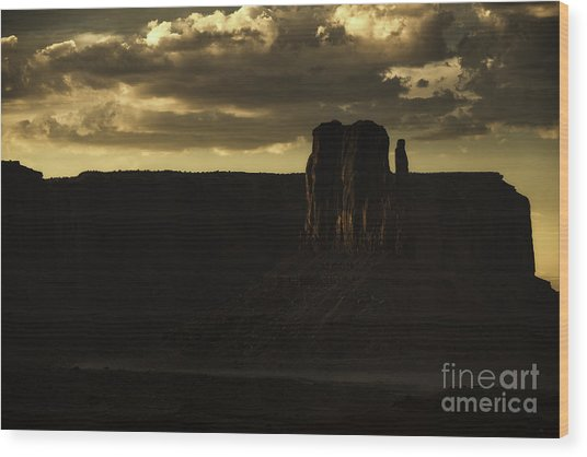 Monument Valley 3 Wood Print by Richard Mason