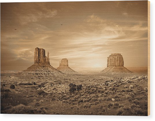Monument Valley Golden Sunset Wood Print