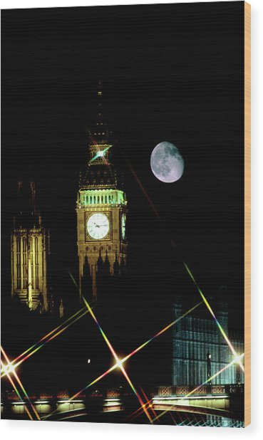 Moon Over Big Ben Wood Print by Robin Scagell/science Photo Library