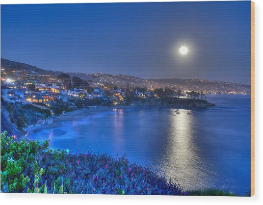 Moon Over Crescent Bay Beach Wood Print