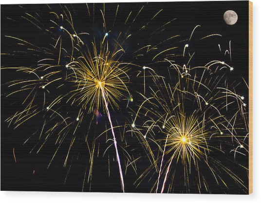 Moon Over Golden Starburst- July Fourth - Fireworks Wood Print