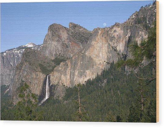 Moon Over Yosemite Wood Print