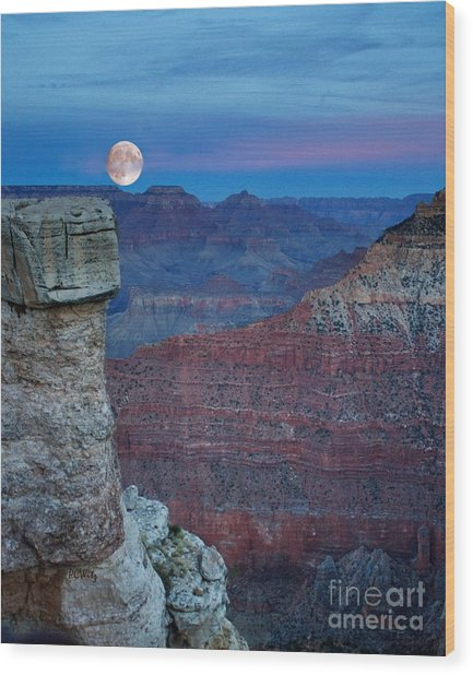 Moon Rise Grand Canyon Wood Print