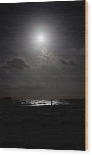 Moon Rise Over Ocean Wood Print