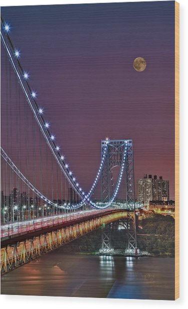 Moon Rise Over The George Washington Bridge Wood Print