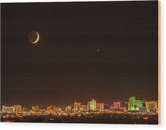 Moon-venus Over Reno Wood Print