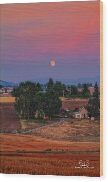 Moonrise At Sunset Wood Print by Dan Quam