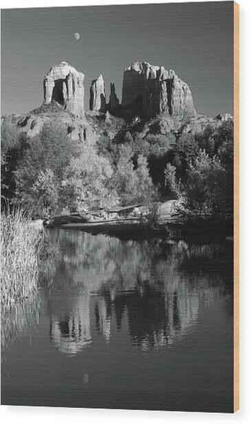 Moonrise Over Cathedral Rocks Wood Print