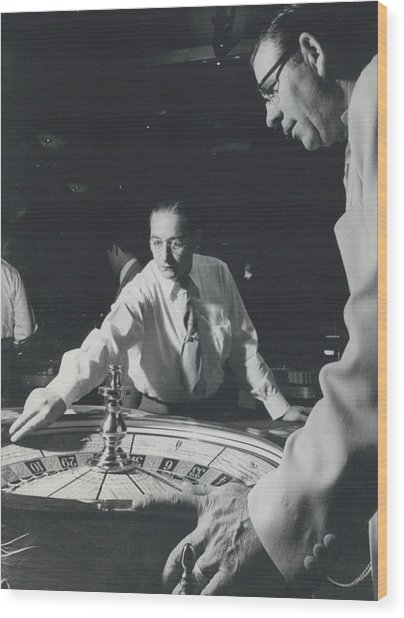 More Roulette Whereas Spin In Las Vegas Than In Monte Carlo Wood Print by Retro Images Archive