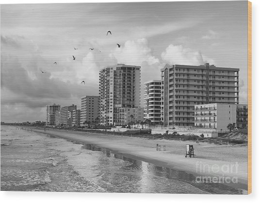 Morning At Daytona Beach Wood Print
