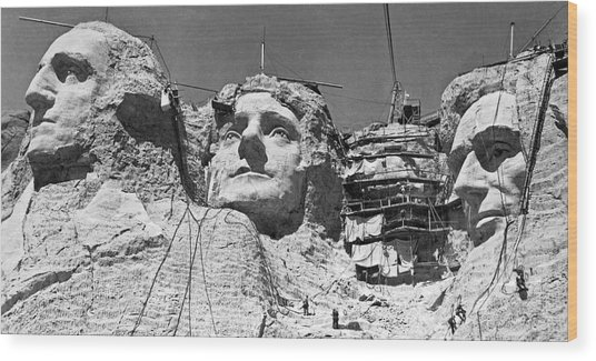 Mount Rushmore In South Dakota Wood Print