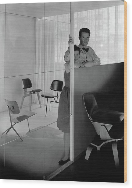 Mr And Mrs Charles Eames At The Museum Of Modern Wood Print