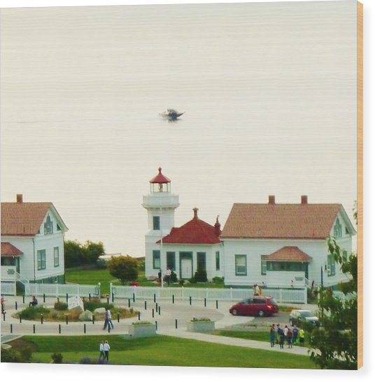 Mukilteo Lighthouse And The Lone Speedboat Wood Print
