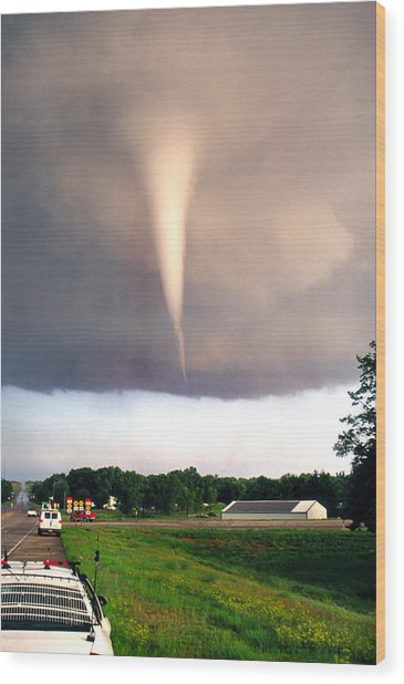 Mulvane Tornado With Storm Chasers Wood Print