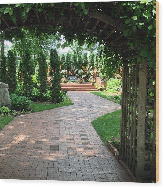 Munsinger Garden Wood Print