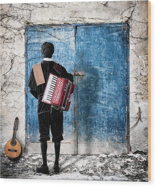 Musician At The Door Wood Print by Nermin Smajic