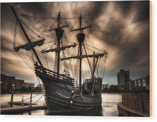 Nao Victoria In Hdr Wood Print