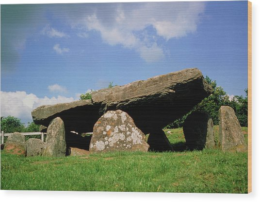 Neolithic Tomb: Arthur's Stone Wood Print by Tony Craddock/science Photo Library