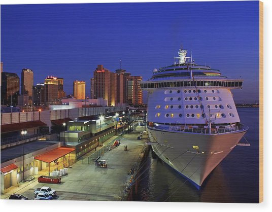 New Orleans Skyline With The Voyager Of The Seas Wood Print
