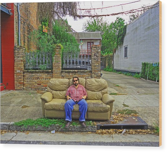 New Orleans Street Couch Wood Print