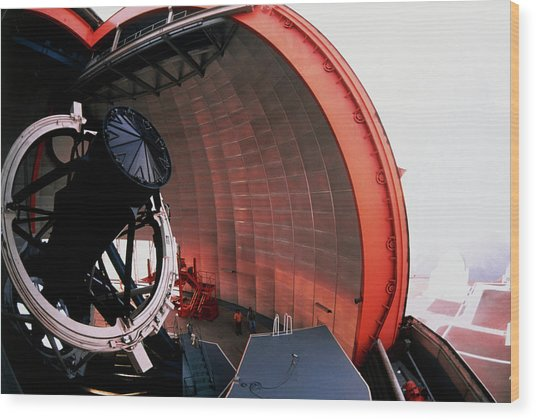 New Technology Telescope At La Silla Wood Print by David Parker/science Photo Library