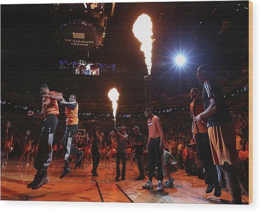 New York Knicks V Phoenix Suns Wood Print by Christian Petersen