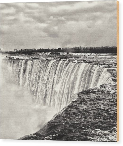 Wood Print featuring the photograph Niagara Falls  by Garvin Hunter
