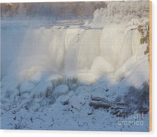 Niagara Falls In Winter Wood Print