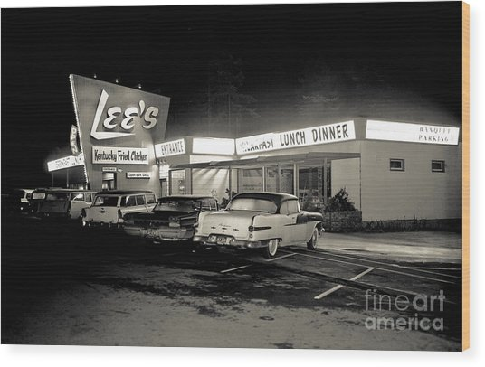Night At Lee's Steak House Wood Print