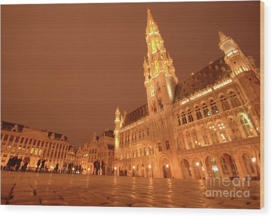 Night In The Grand Place Wood Print