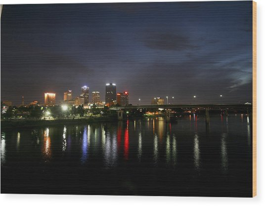 Night On The Junction Bridge Wood Print