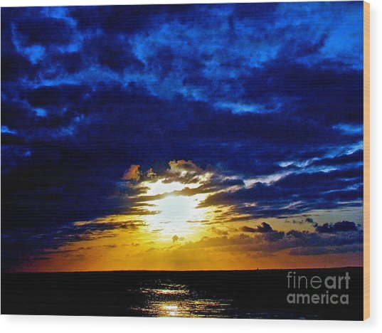 Night Surrounds The Sun Wood Print by Q's House of Art ArtandFinePhotography