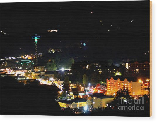 Nightlife In Gatlinburg Wood Print