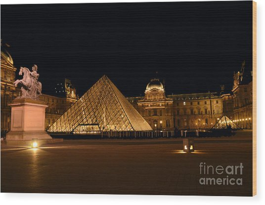 Nighttime At Musee Du Louvre Wood Print