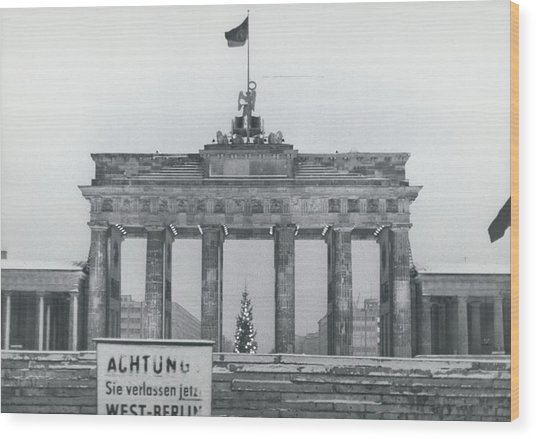 No Passing-papers For West-berlins Inhabitants Wood Print by Retro Images Archive
